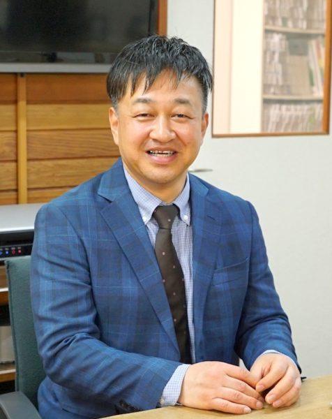 池田補聴器専門店の店長、小切間邦泰です